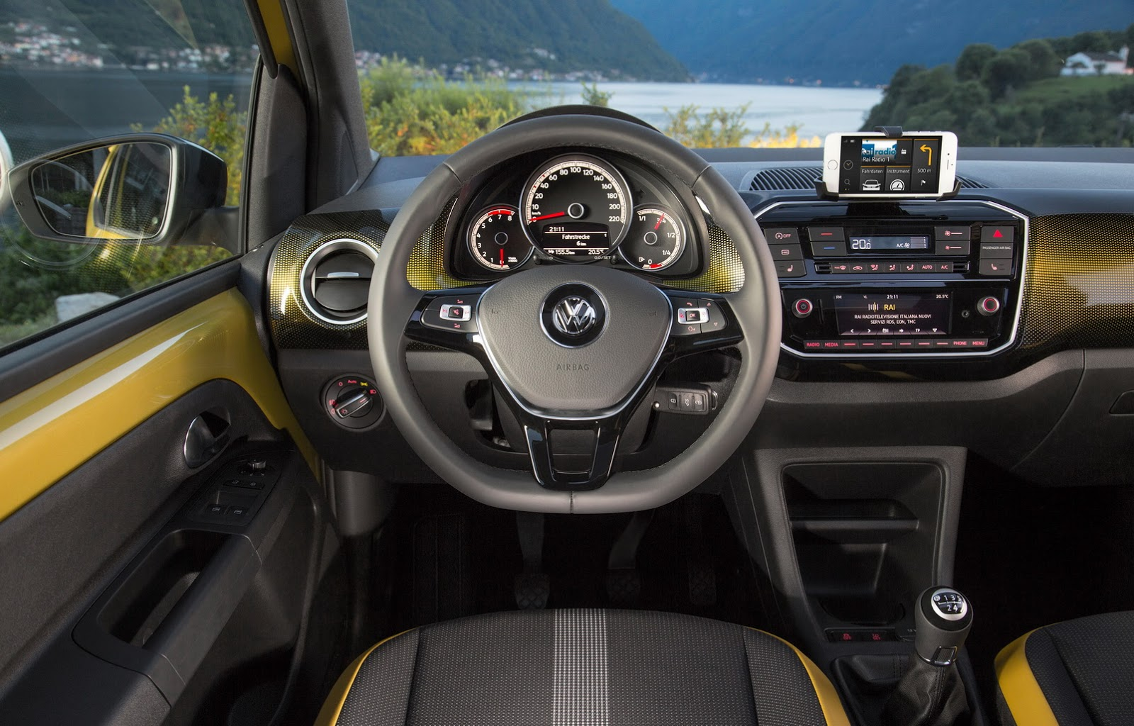Interieur Vw Up Refreshed Vw Up Priced From 8 995 In The Uk Carscoops