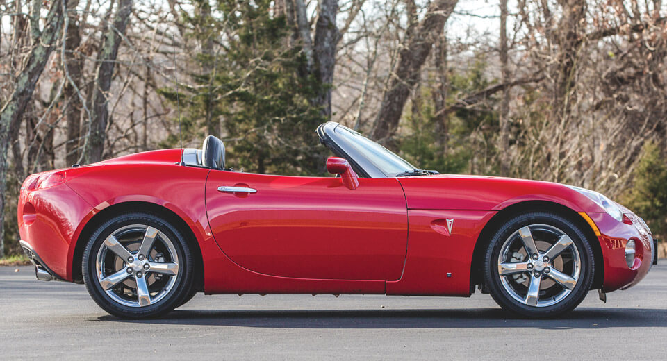 Want A (Nearly) New Pontiac Solstice? Here\u0027s Your Chance Carscoops