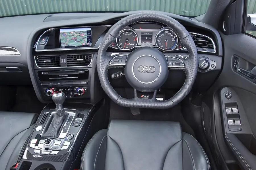 A4110022_large_01 Audi A4 Interior