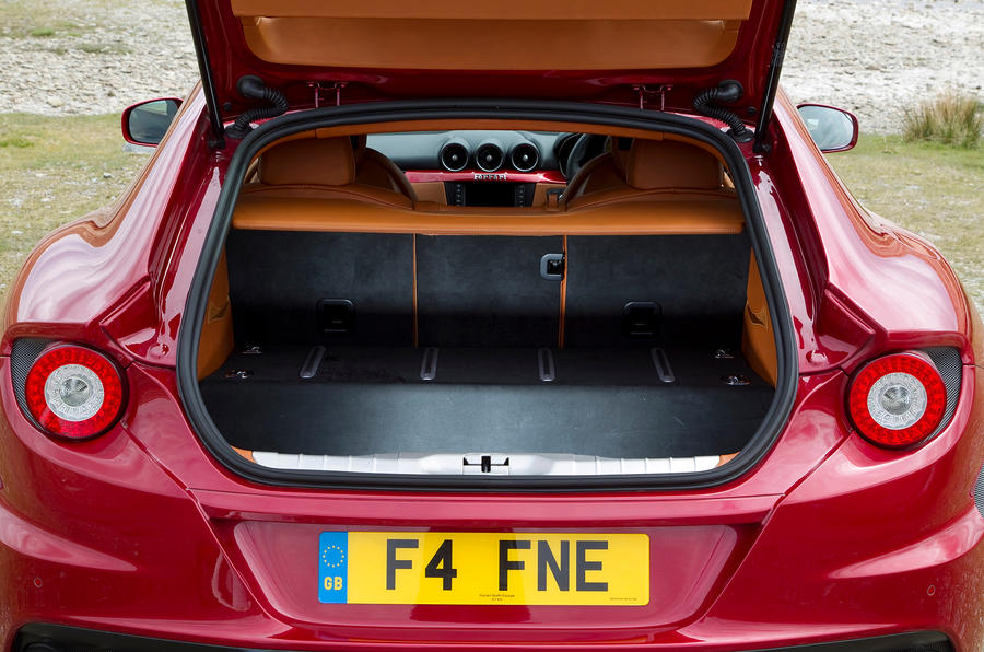 Photo Wallpaper Car Sound System Ferrari Ff 2011 2016 Interior Autocar