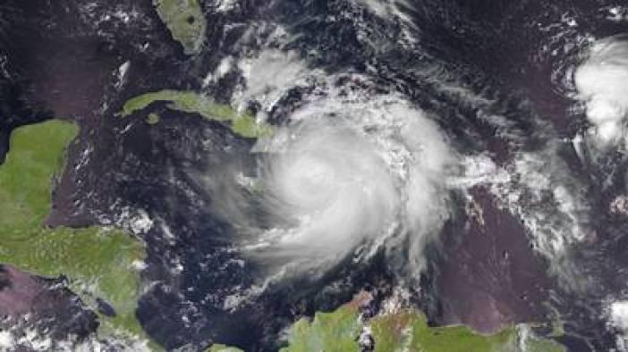 Imagen de satélite tomada por EUMESAT que muestra al huracán Matthew sobre Haití, Cuba y Jamaica el 4 de octubre. EFE