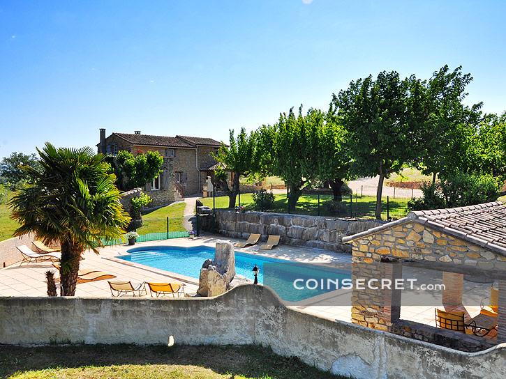 Location de vacances en Ardèche  villa et maison Coins Secrets - Residence Vacances Ardeche Avec Piscine