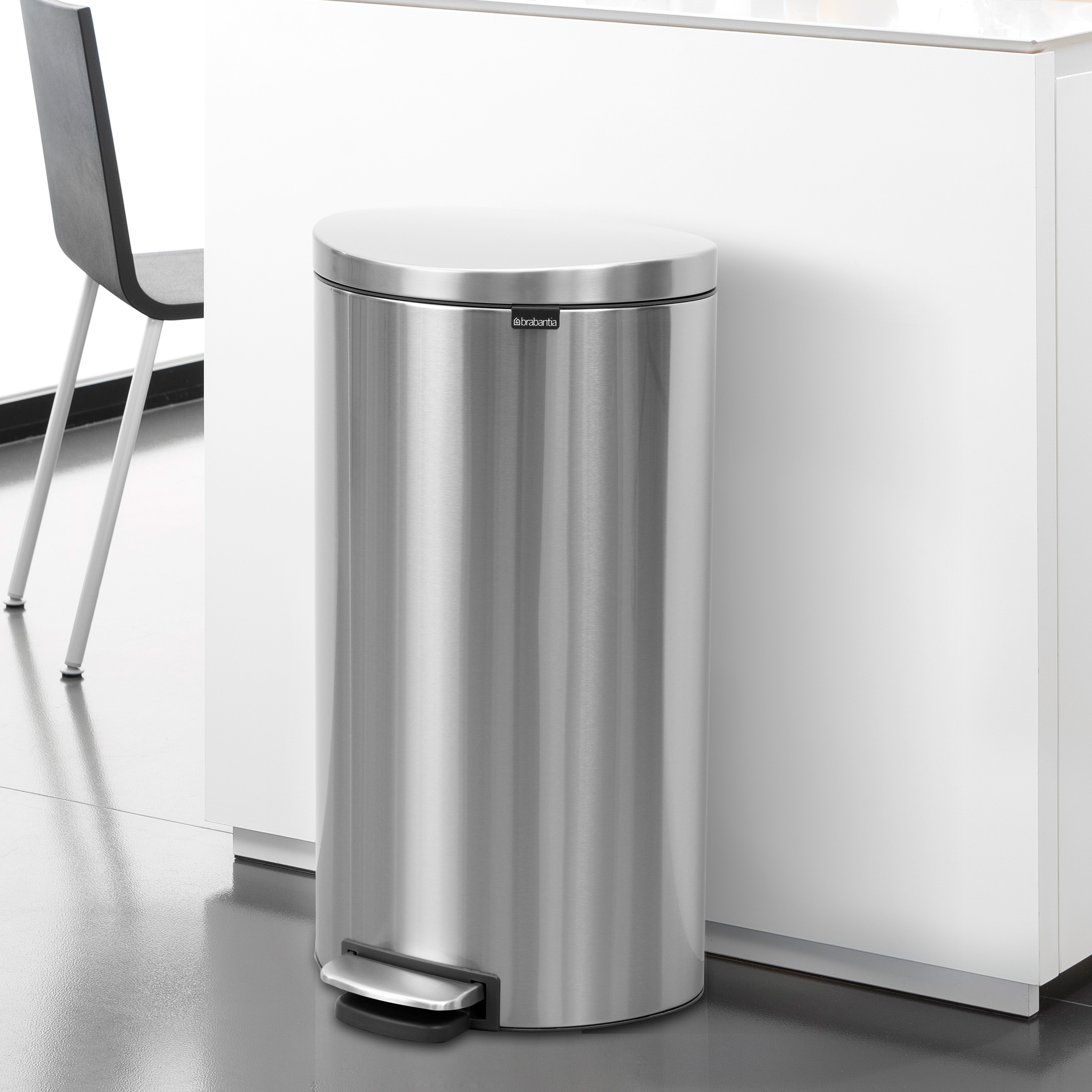 Metal Indoor Trash Can Brabantia Stainless Steel 8 Gal 30l Flatback Semi Round Trash Can