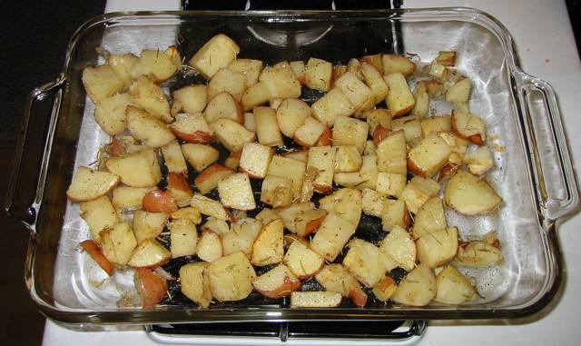Garlic Roasted Potatoes - Recipe File - Cooking For Engineers