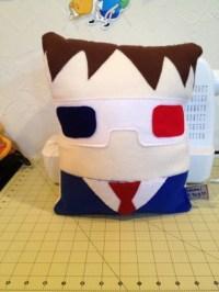 The 10th Dr Pillow!  An Applique Cushion  Sewing on Cut ...