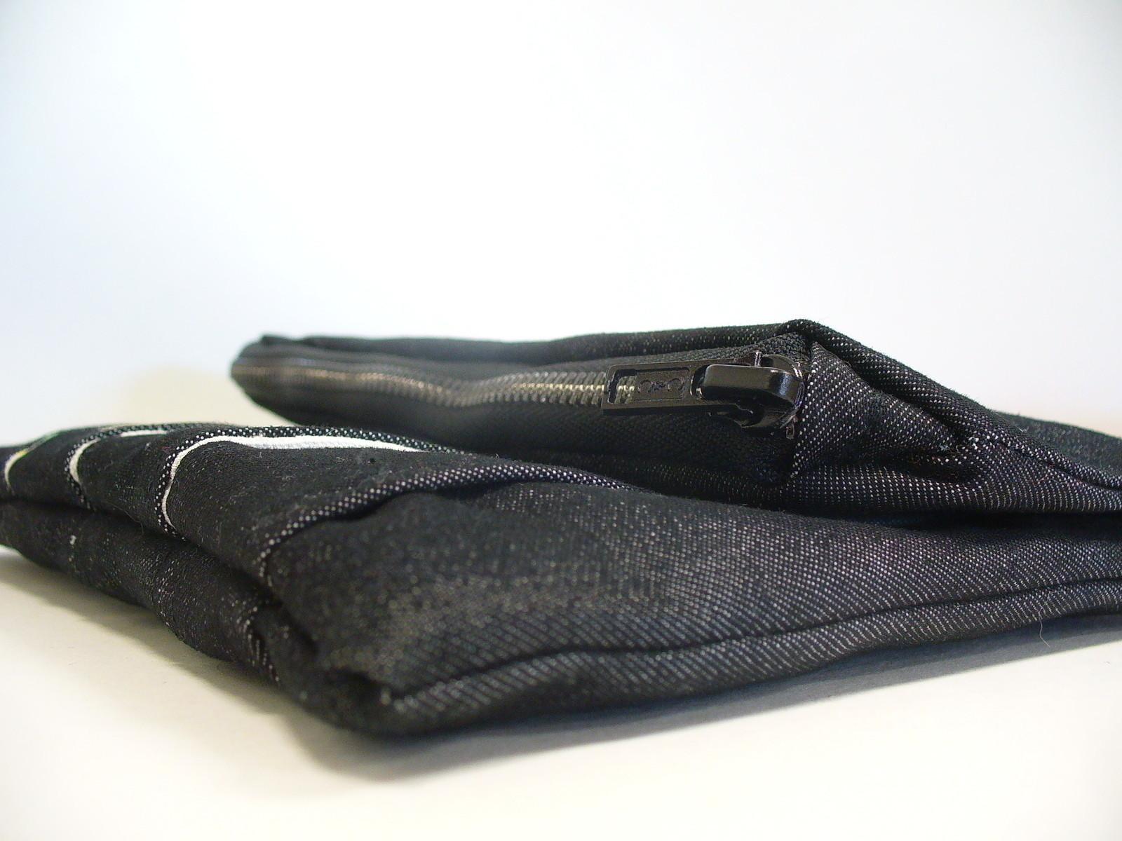 Puffy Side Pocket Clutch A Zipper Pouch Needlework On
