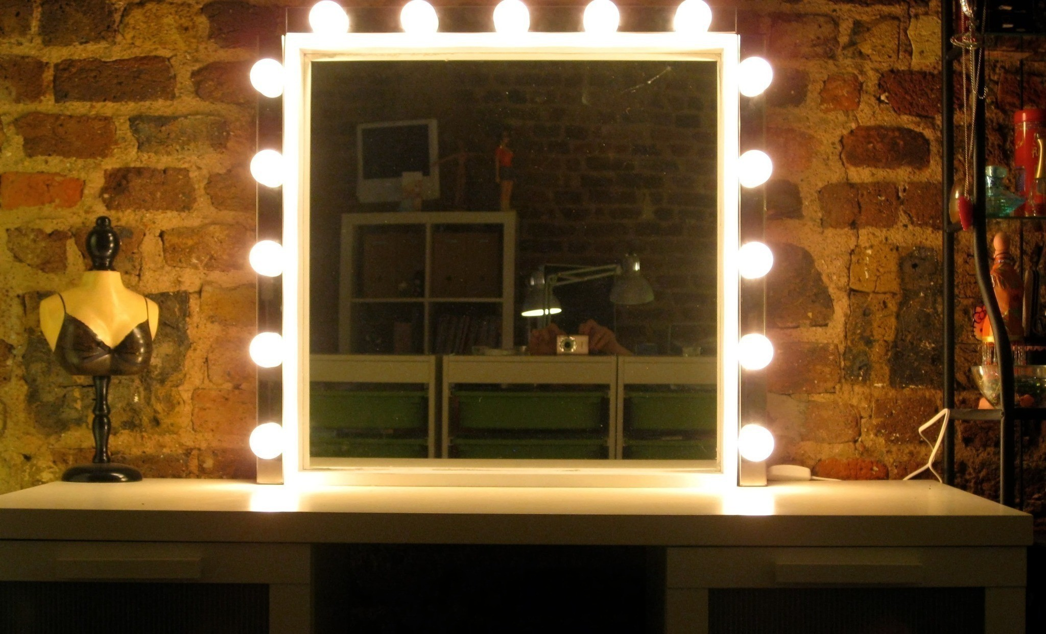 Hollywood Mirror Lights Ikea Starlet Mirror How To Make A Table Mirror Home 43 Diy