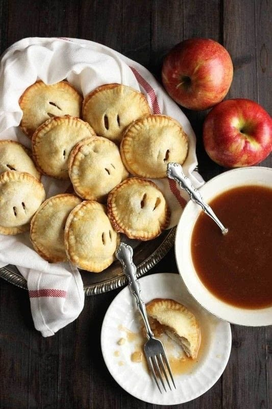 Apple Hand Pies With Caramel Apple Sauce How To Bake An