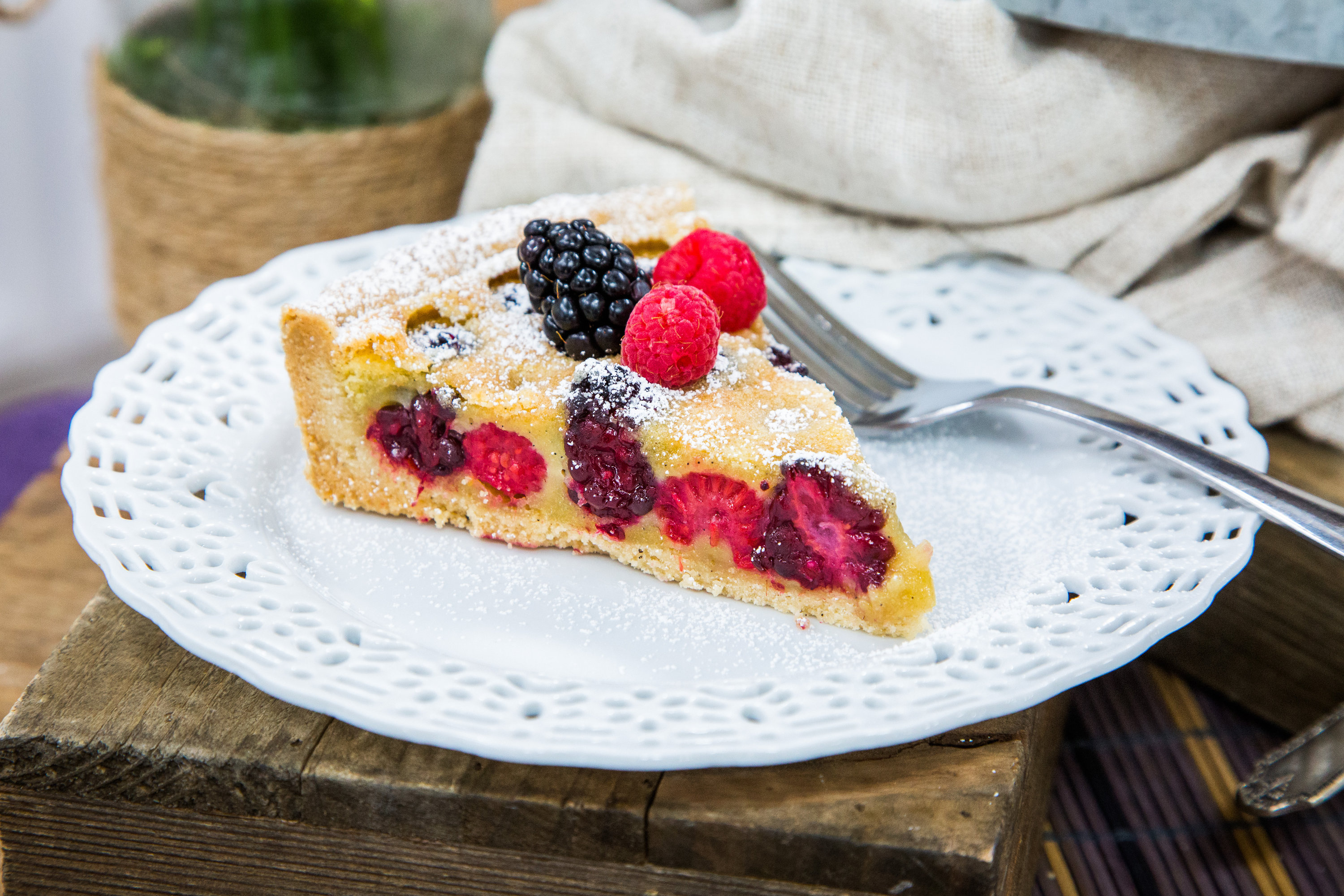 Family Küchen Brown Butter Mixed Berry Tart