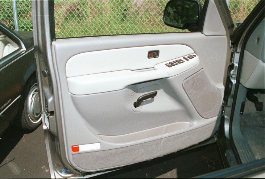 How to Install New Audio Gear in Your 2000-2006 Chevrolet Suburban