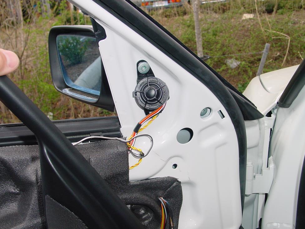 1999-2005 BMW 3 Series Sedan Car Audio Profile