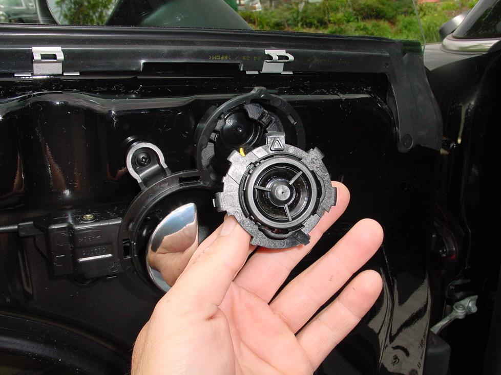 2002-2006 MINI Cooper Hatchback Car Audio Profile