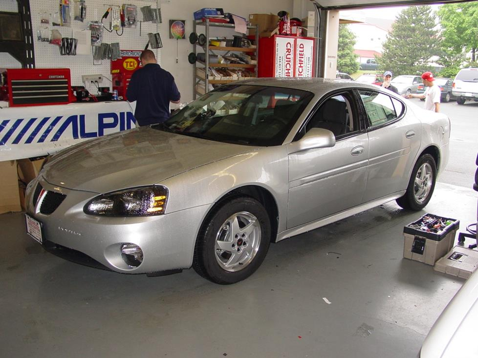 2004-2008 Pontiac Grand Prix Car Audio Profile