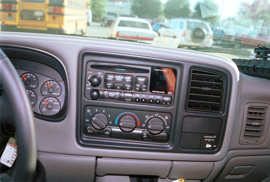 1999-2002 Chevrolet Silverado and GMC Sierra Extended Cab Car Audio