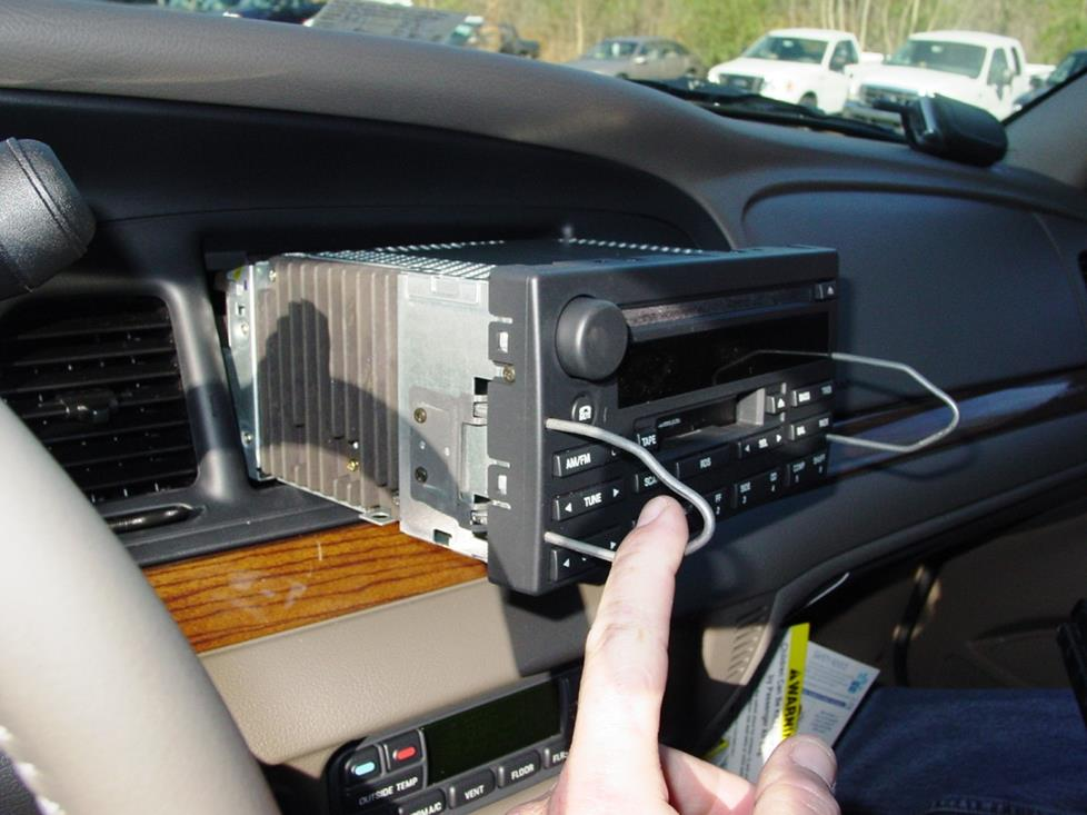 2003-2011 Ford Crown Victoria and Mercury Grand Marquis Car Audio