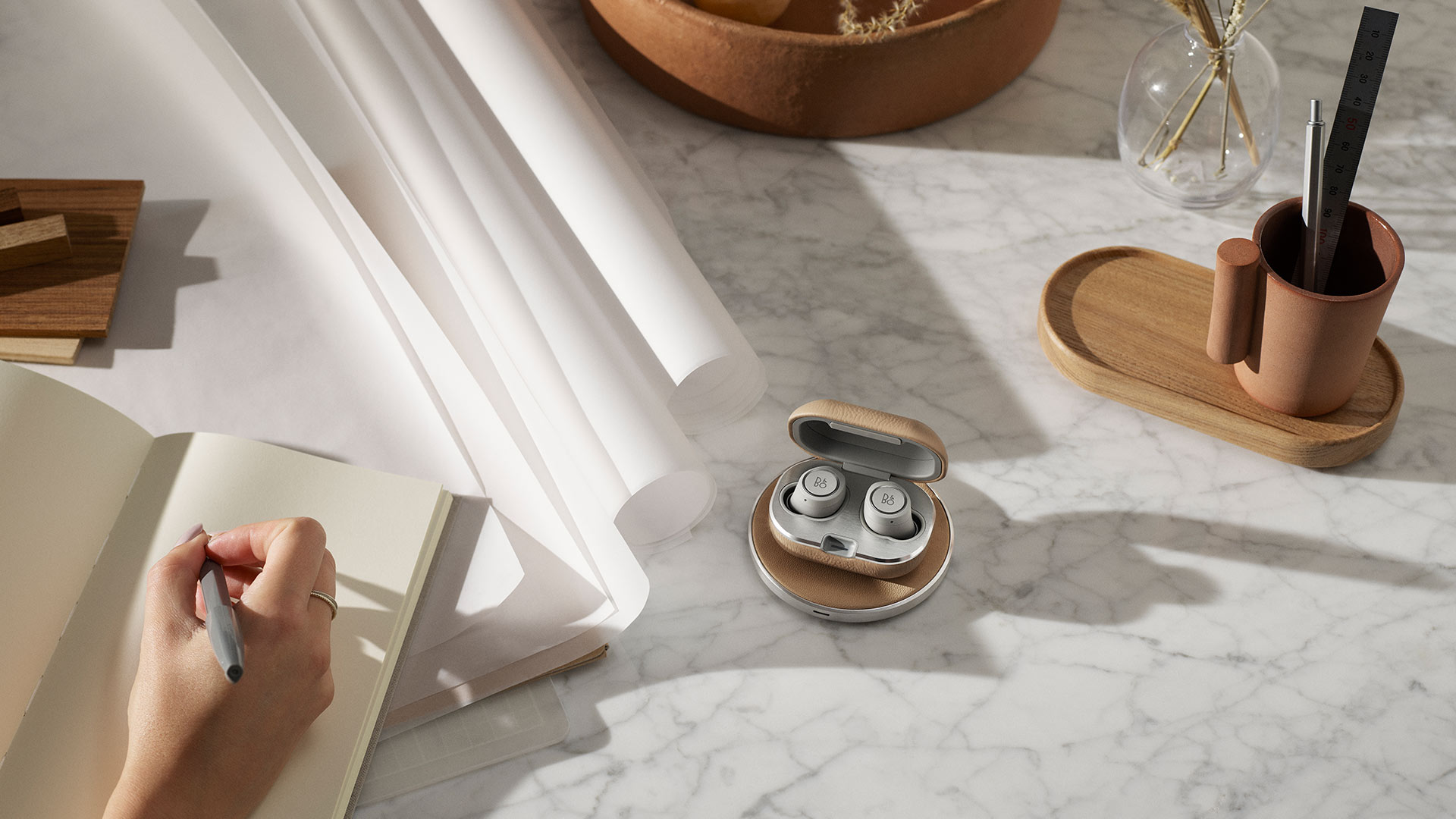 Bang And Olufsen Paris Bang Olufsen High End Headphones Speakers And Televisions