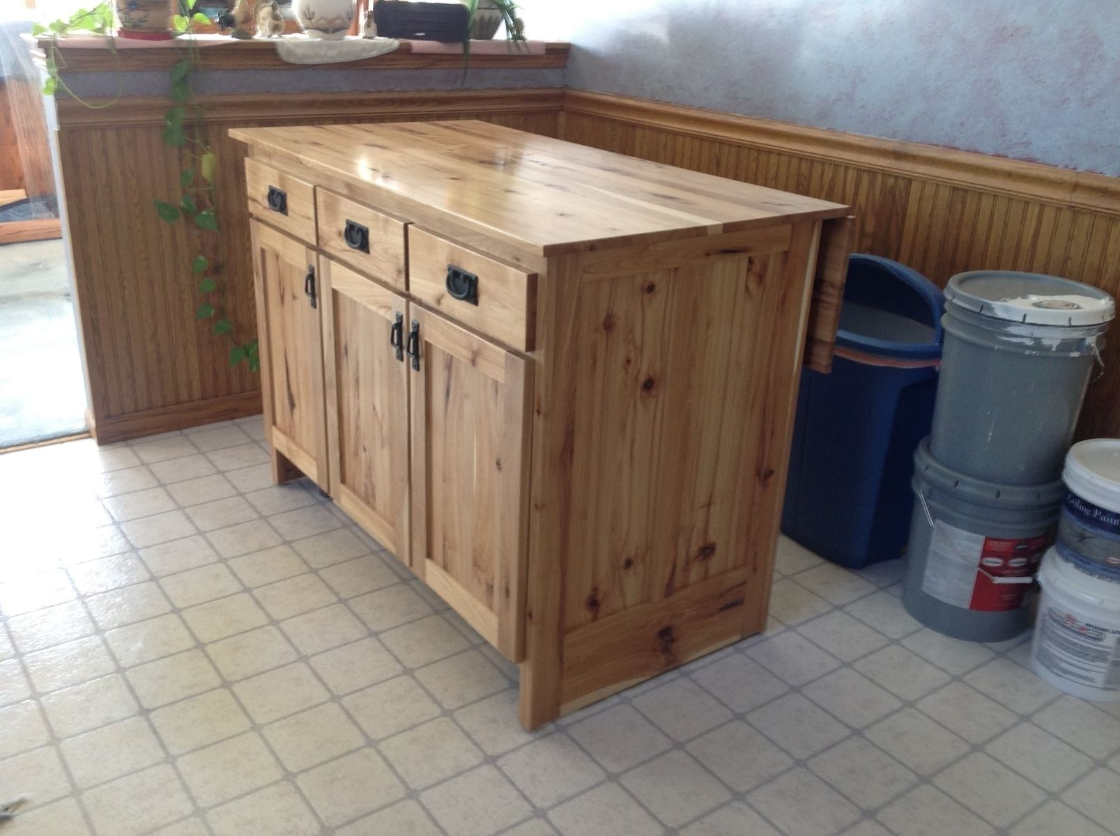 Movable Kitchen Islands Plans Hand Made Portable Kitchen Island By The Amish Hook Up