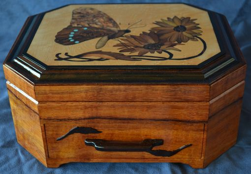 Farmhouse Bedroom Hand Crafted Jewelry/keepsake Box With Butterfly Marquetry