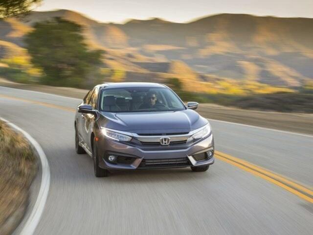 Honda Civic vs Hyundai Elantra in California Parkway Hyundai