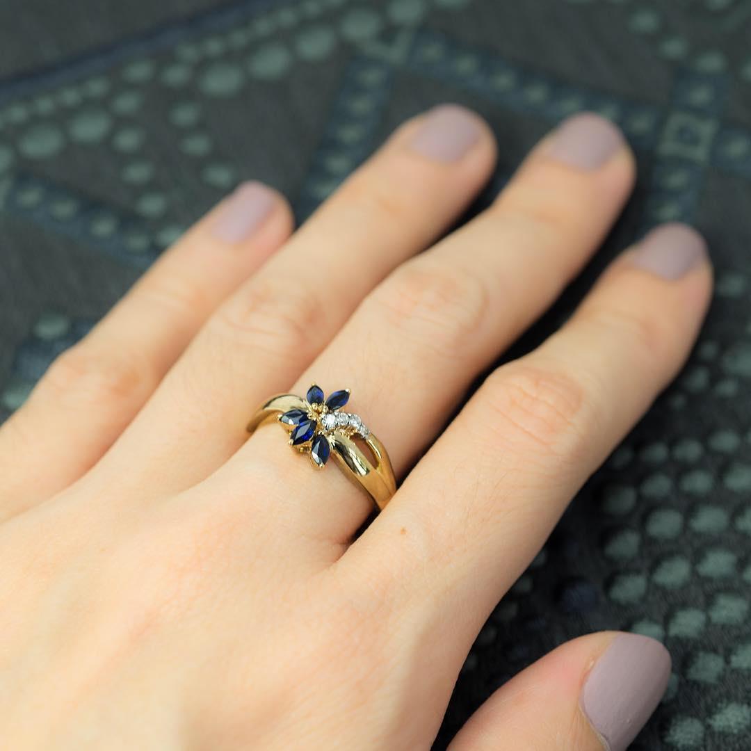blue wedding ring flower wedding ring Flower Wedding Ring