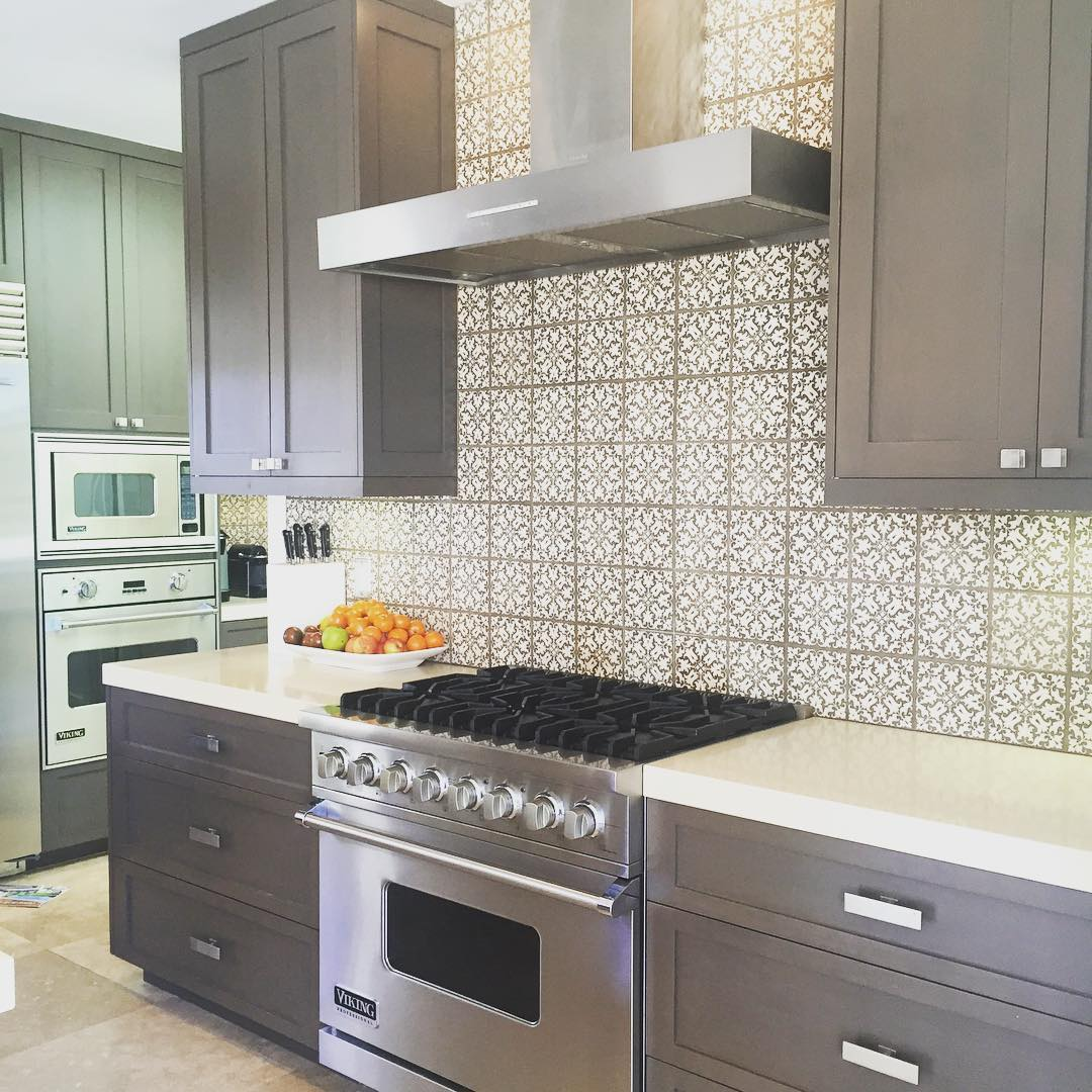 Photos Of Gray Kitchen Cabinets 24 43 Grey Kitchen Cabinets Designs Decorating Ideas