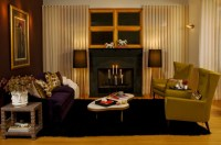 19+ Purple and Gold Living Room Designs, Decorating Ideas ...