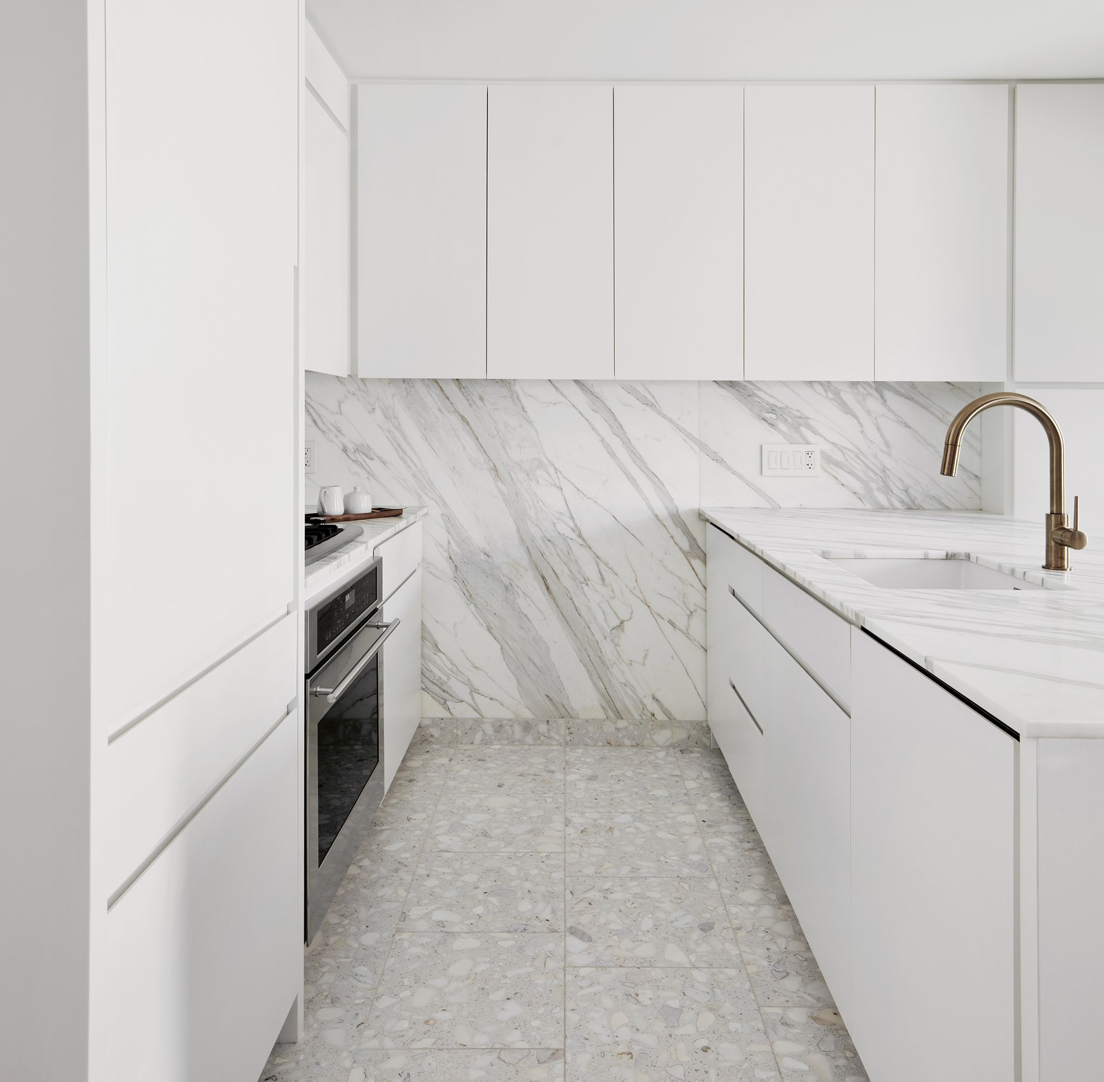 Consider These 20 Marvelous Marble Backsplashes For Your Kitchen Renovation Dwell