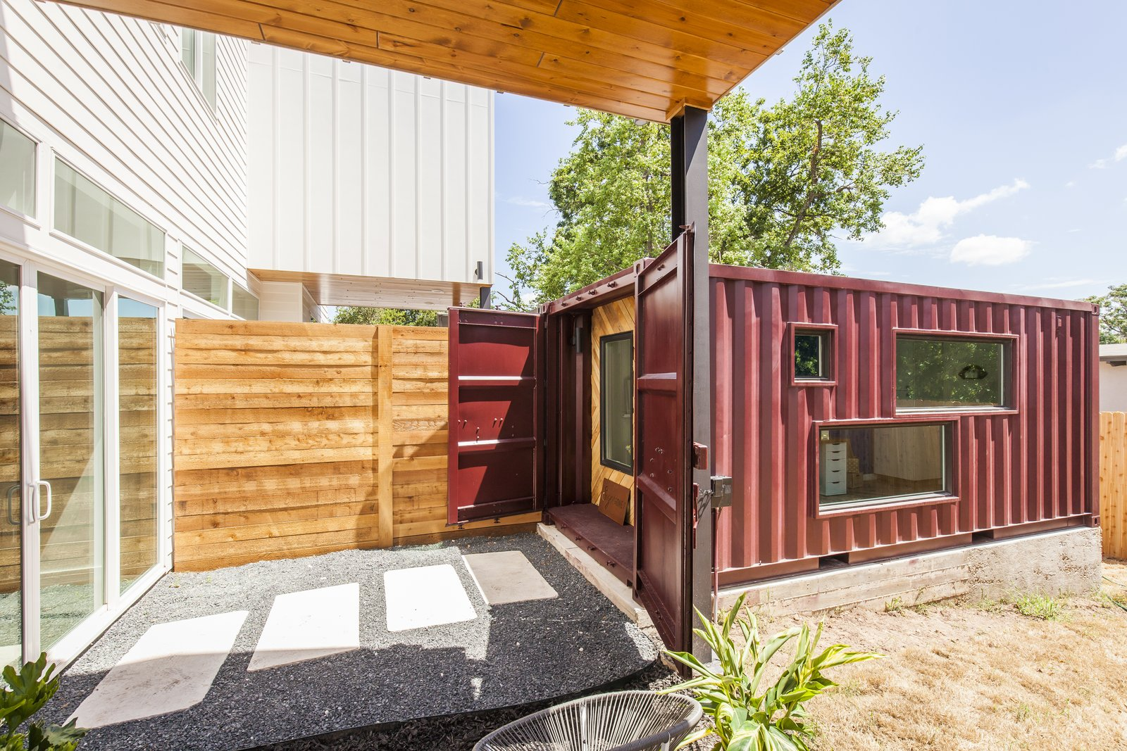 Container Haus Dresden Https Dwell Article The Vindheim Cabin Snowbound In