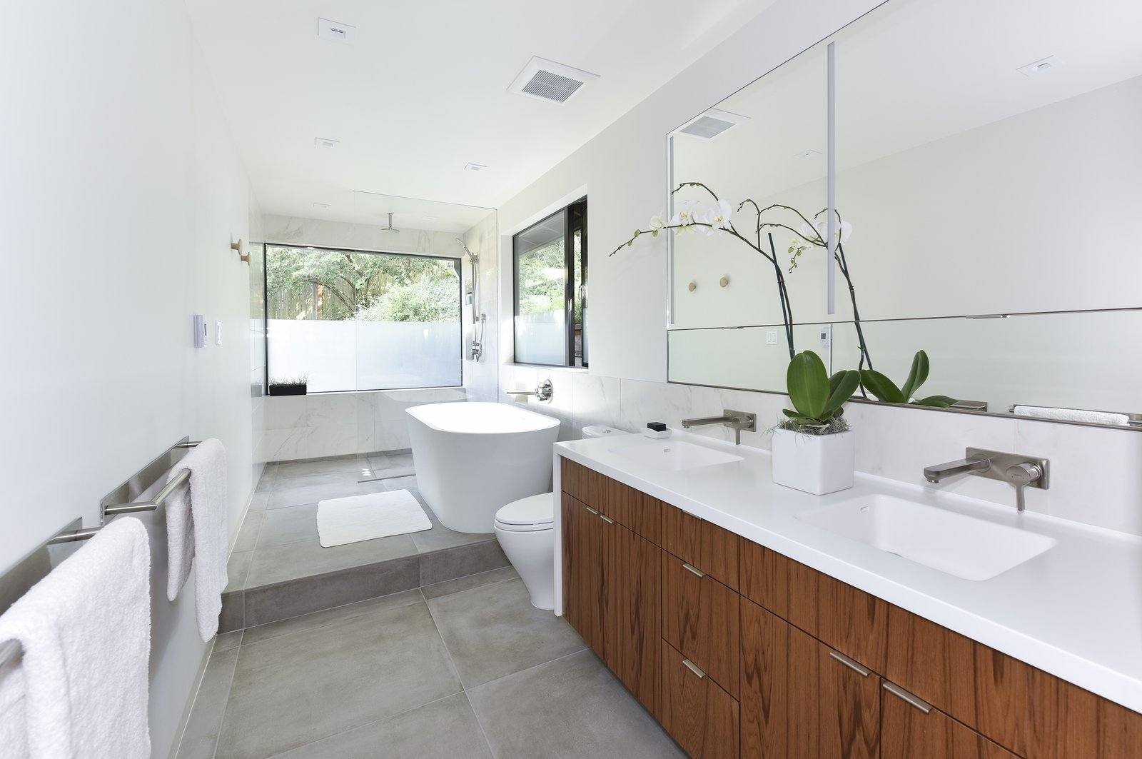 Photo 1 Of 5 In Contemporary Master Bathroom Remodel Dwell