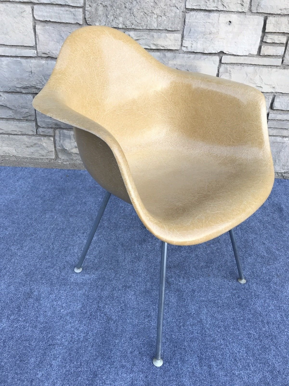 Eames Chair Herman Miller Ebay Photo 3 Of 8 In 8 Marvelous Midcentury Chairs On Ebay Dwell