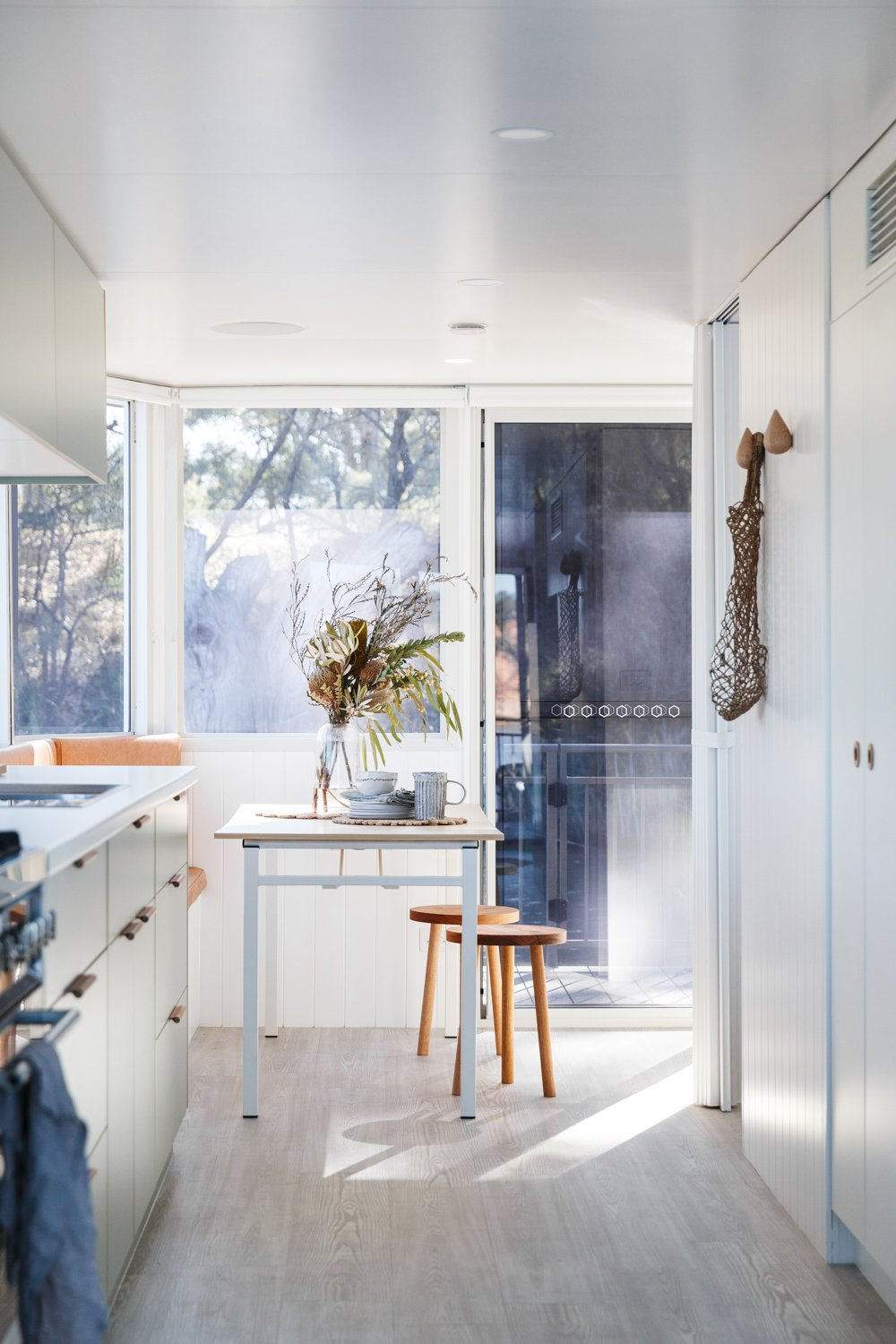 Petite Banquette Design Life In This Renovated Houseboat Would Be But A Dream Dwell