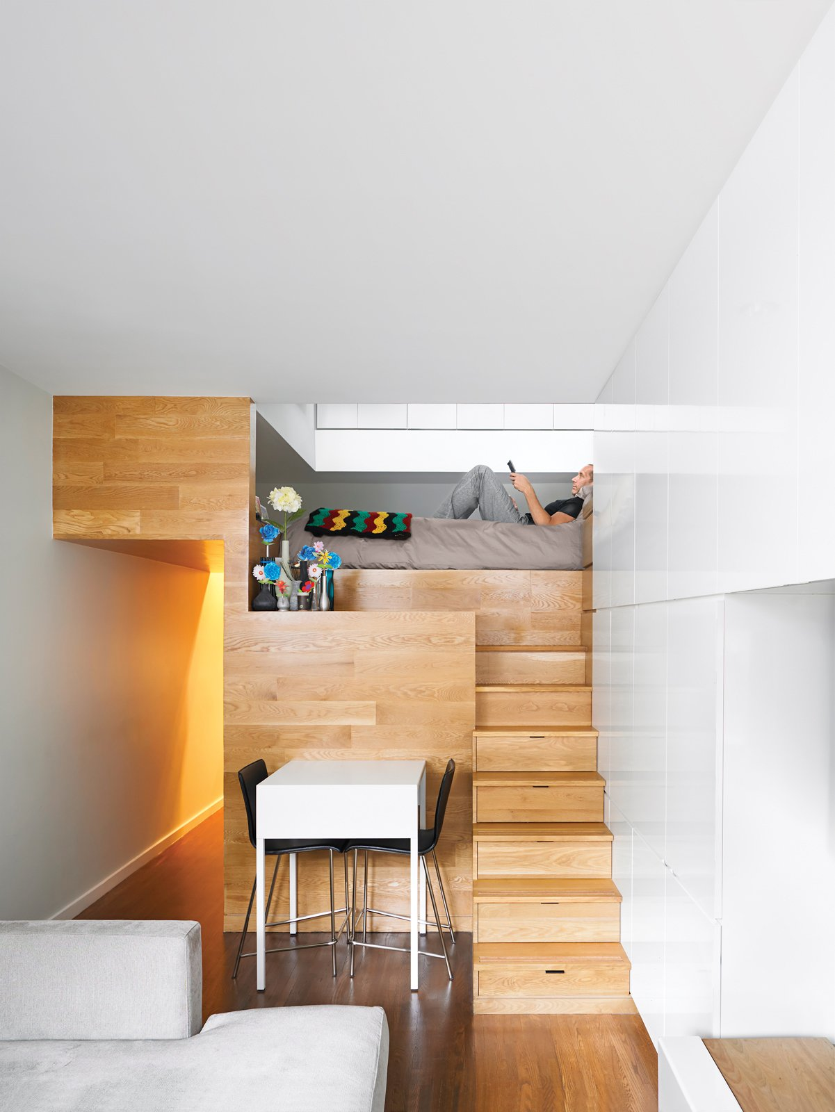 Mini Zimmer Einrichten These 10 Tiny Apartments In New York City Embrace Compact