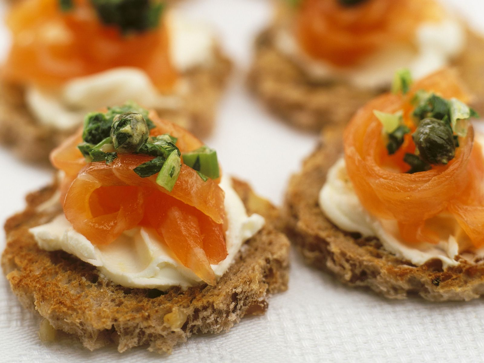 Canapé Bio Lachs Canapes Mit Kapern