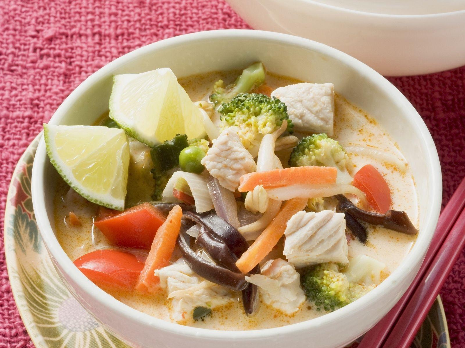 Thai Küche Rezepte Schnell   Rotes Thai Curry Mit Poulet