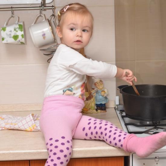 Kindersichere Küche Die 16 besten Tipps (Update 2016) - Emero Life - kueche kindersicher machen tipps