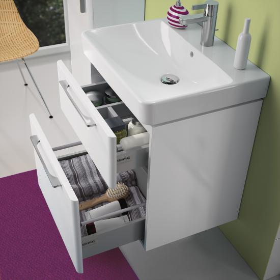 Kleine Badezimmer optisch vergrößern - 7 Tricks - Emero Life - badezimmer hell grauer boden