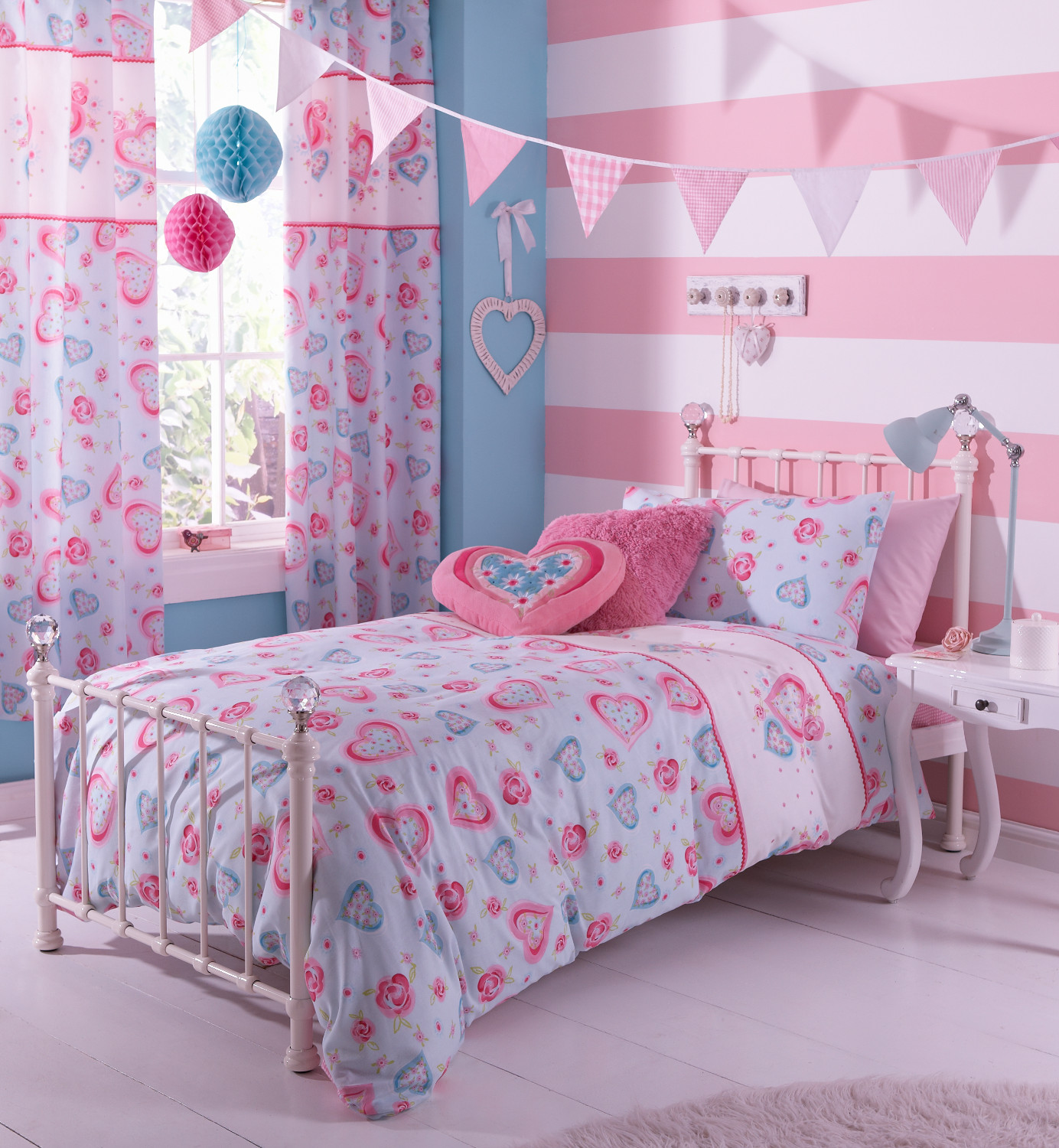 Pretty Bed Covers Hearts And Flowers Duvet Set Catherine Lansfield Polycotton