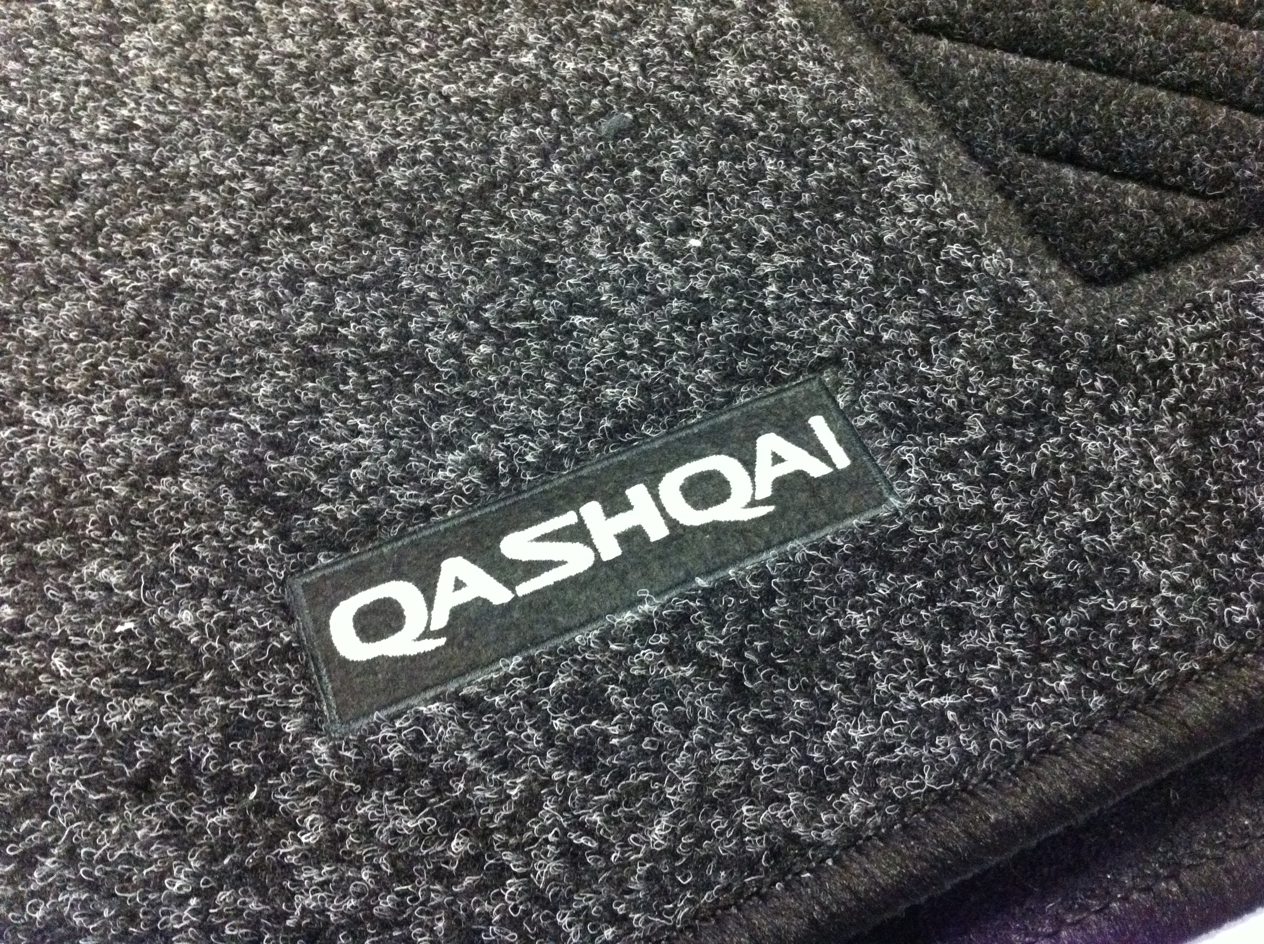 nissan qashqai genuine car floor mats tailored carpet front rear x4