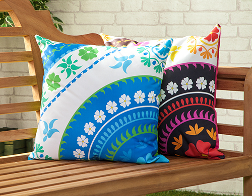 Water Resistant Outdoor Printed Cushions Washable Scatter