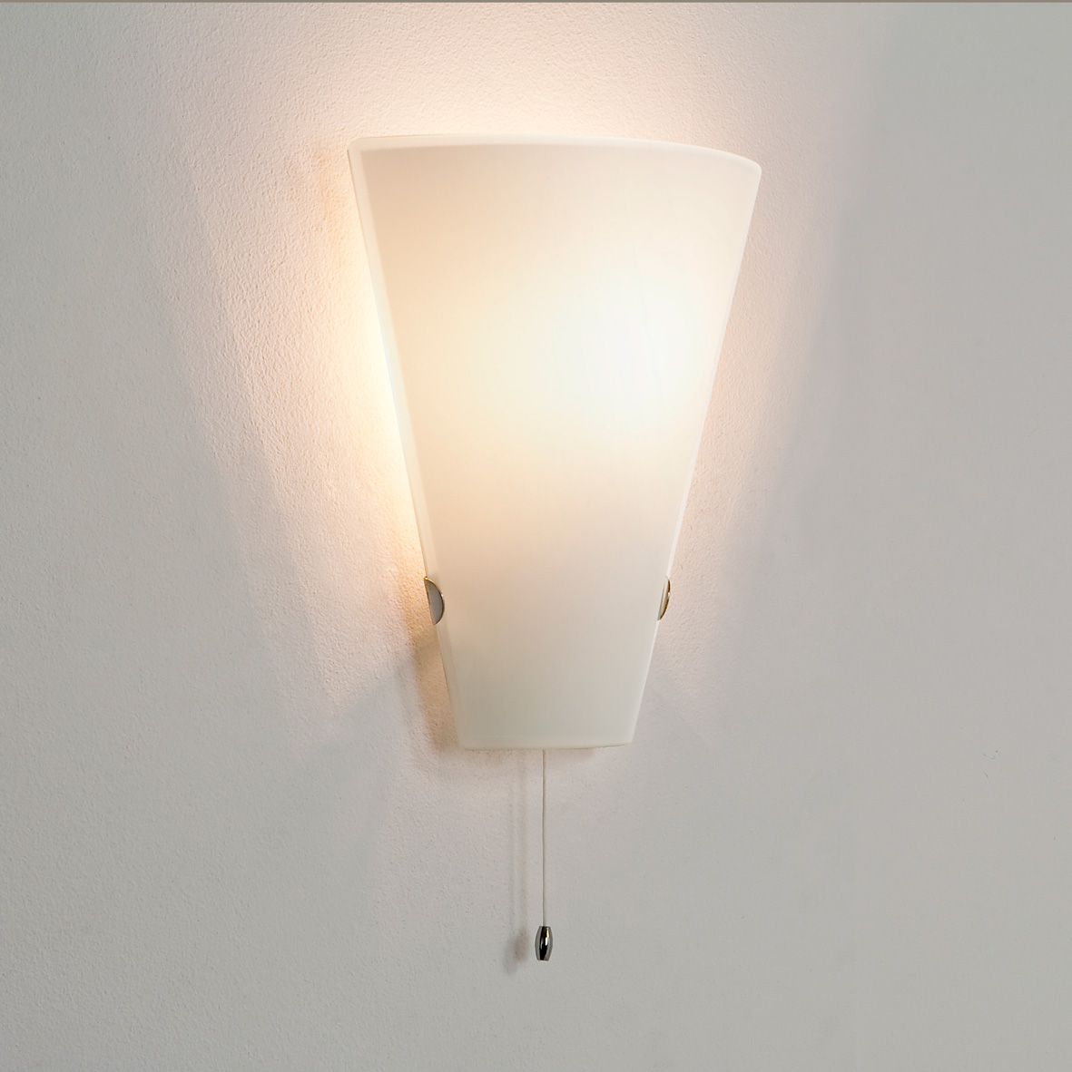 Astro Taper 0248 dimmable pull cord switch wall light 60W
