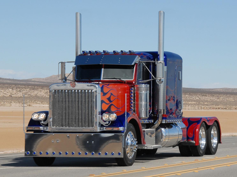 Optimus Prime Semi Truck