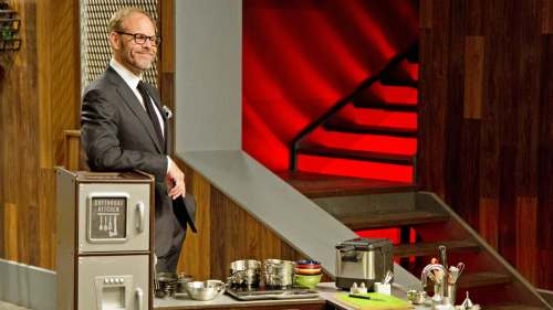 Medium Of Cutthroat Kitchen Host