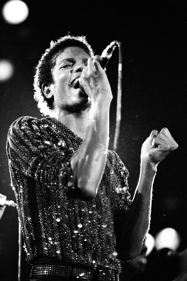 Black And White Iphone 5 Wallpaper Michael Jackson 1981 Photograph By Chris Walter