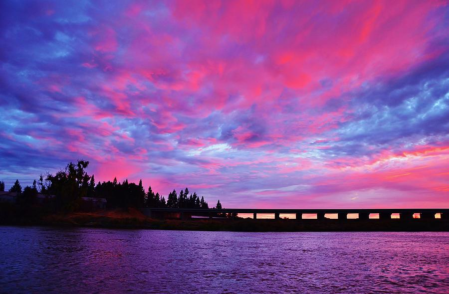 Fall Wallpaper For Large Monitors Pink Cloud Invasion Sunset Photograph By Marilyn Maccrakin