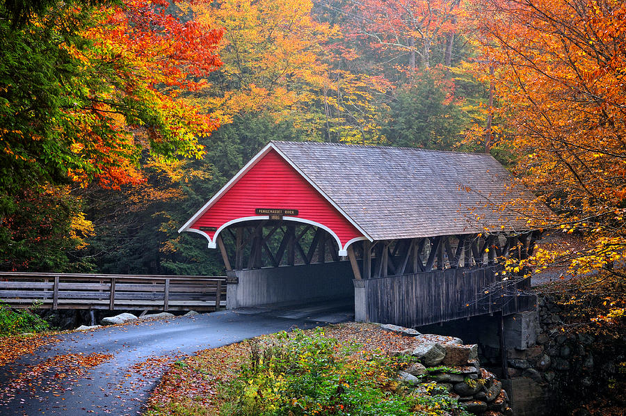 Vermont Wallpaper Fall The Flume Covered Bridge Photograph By Expressive