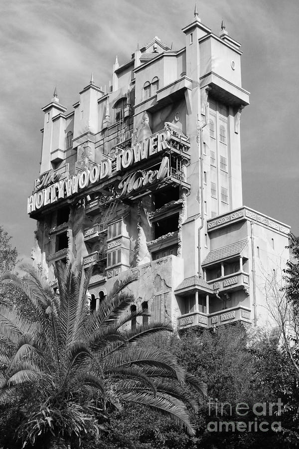 Haunted Mansion Iphone Wallpaper Twilight Zone Tower Of Terror Vertical Hollywood Studios