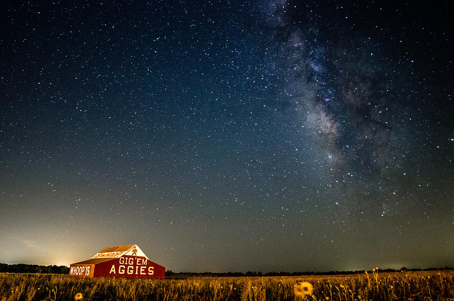 Bluebonnet Iphone Wallpaper Aggie Barn At Night Photograph By Robert Powell