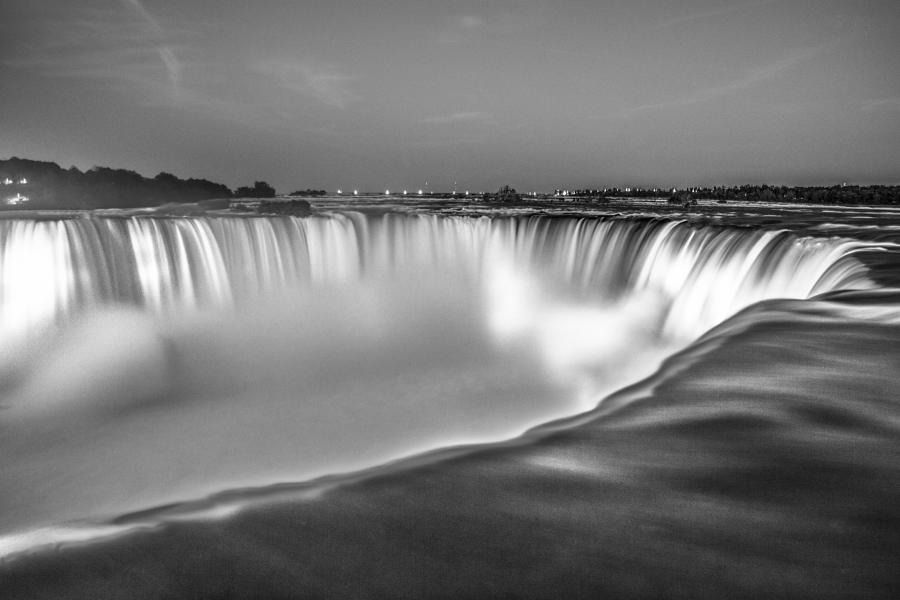 Niagara Falls In Black And White Photograph By John Mcgraw