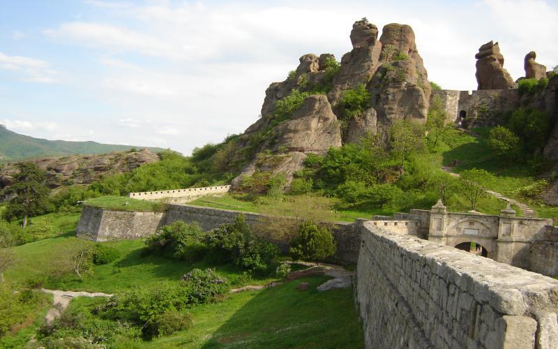 3d River Wallpaper Hd Belogradchik Rocks Wallpaper Download Free 90113