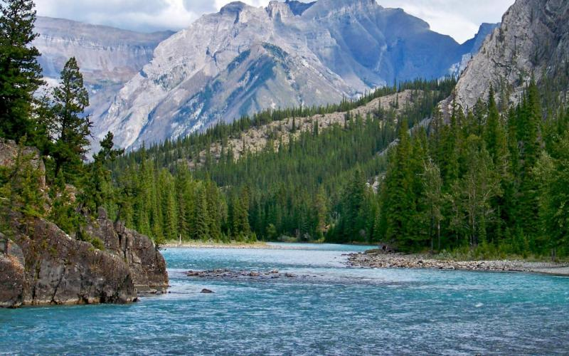 3d Blue Sky Wallpaper Hd Bow River In The Rockies Of Alberta Wallpaper